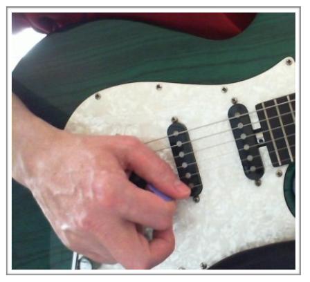 1st string plectrum alignment
